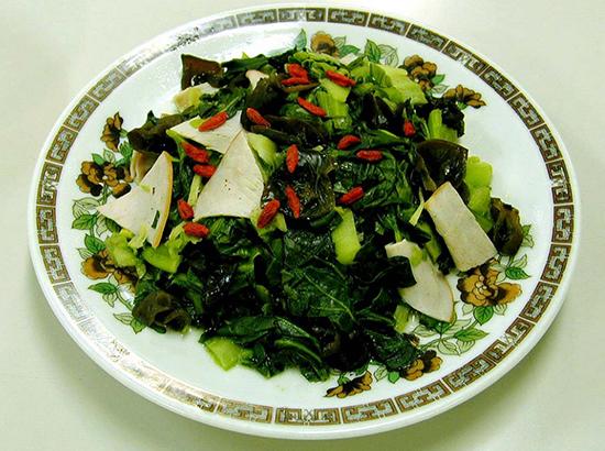 青梗菜とハムの炒め物