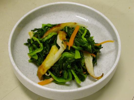 小松菜のおひたしと焼きちくわの和え物