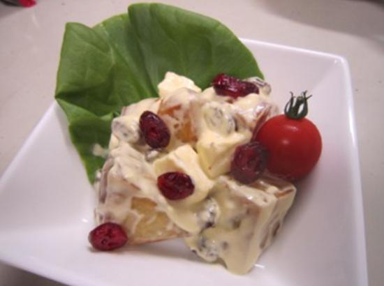 揚げさつまいもとクリームチーズのサラダ