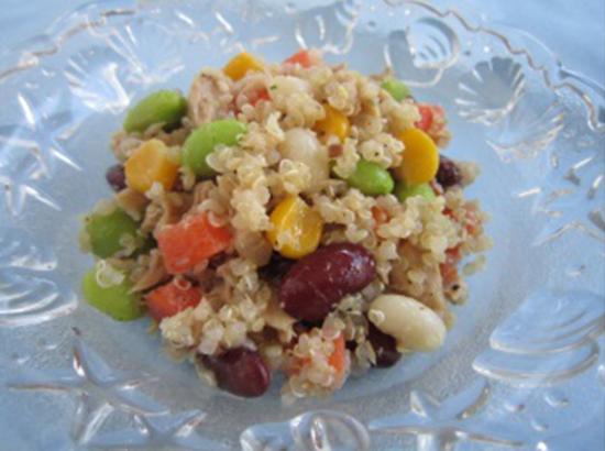 ツナと野菜のキヌアサラダ